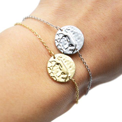 Bracelet-Fine-Chaine-Acier-avec-Charm-Medaille-Taureau-Signe-Zodiaque
