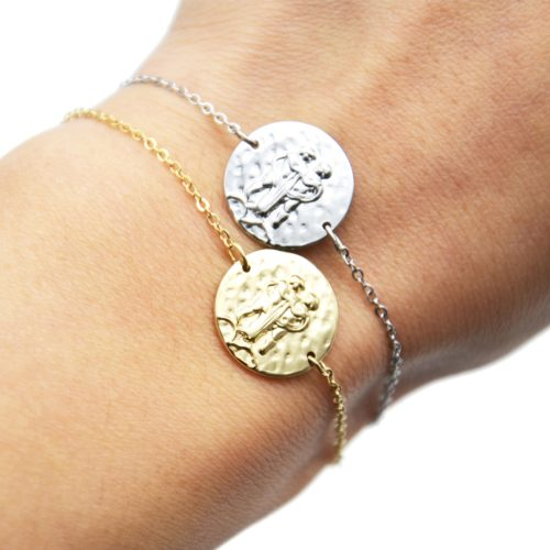 Bracelet-Fine-Chaine-Acier-avec-Charm-Medaille-Gemeaux-Signe-Zodiaque