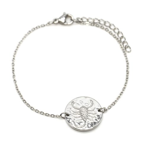 Bracelet-Fine-Chaine-Acier-Argente-avec-Charm-Medaille-Scorpion-Signe-Zodiaque
