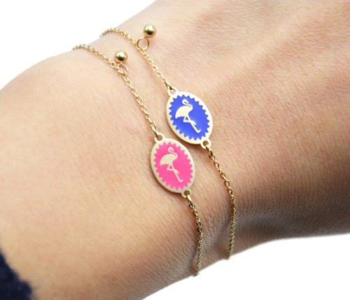 Bracelet-Fine-Chaine-Acier-Dore-avec-Ovale-Email-Motif-Flamant-Rose