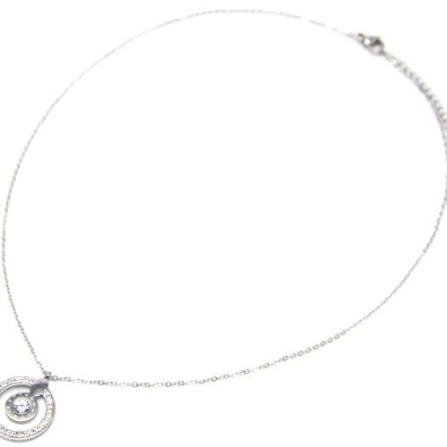 Collier-Fine-Chaine-avec-Pendentif-Cercle-Strass-Chiffres-Romains-Acier-Argente-et-Pierre