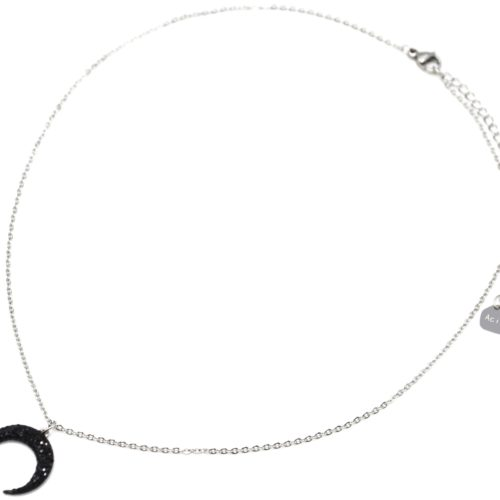 Collier-Fine-Chaine-Acier-Argente-avec-Pendentif-Corne-Lune-Strass-Noir