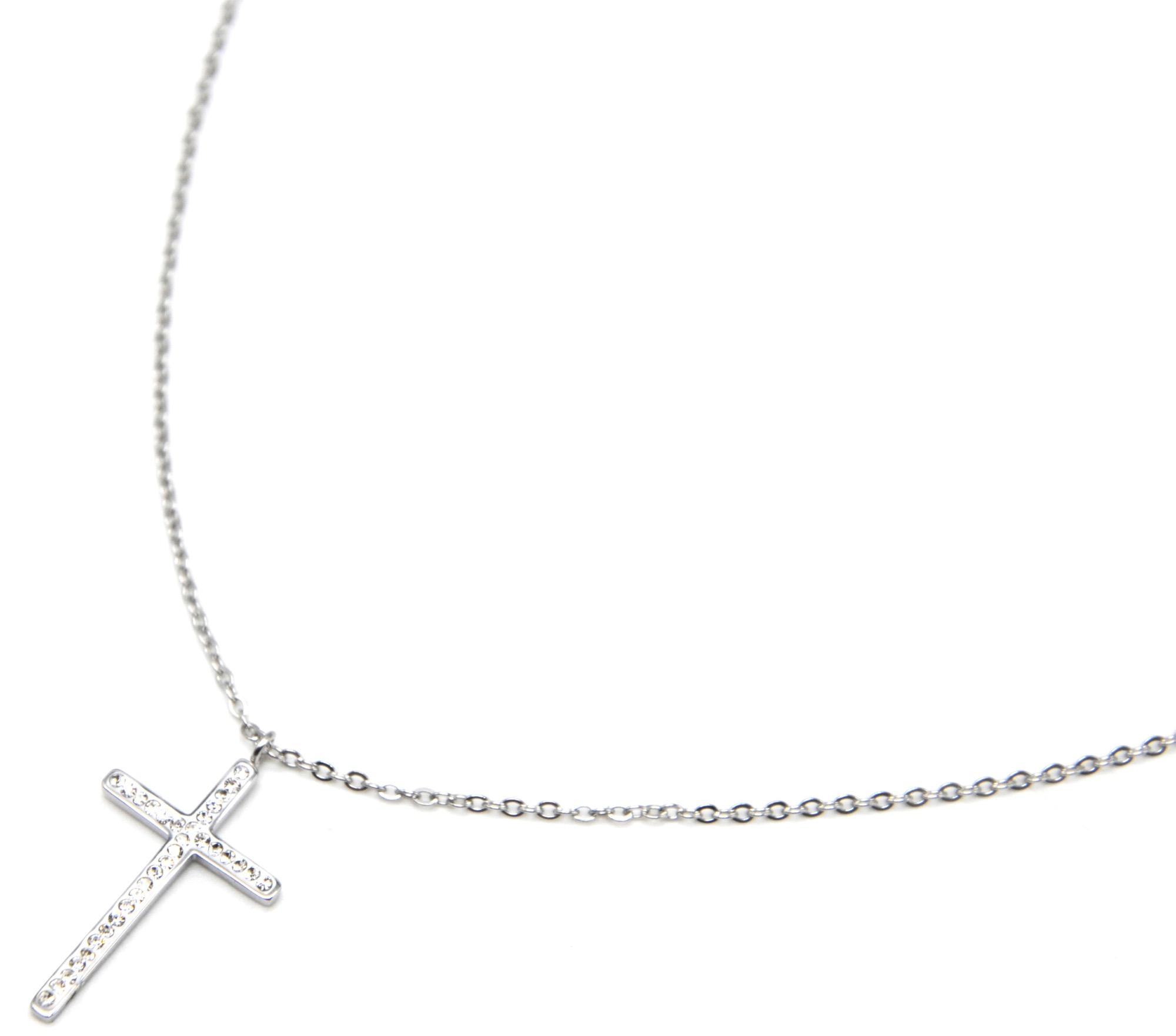 chaine en or avec une croix