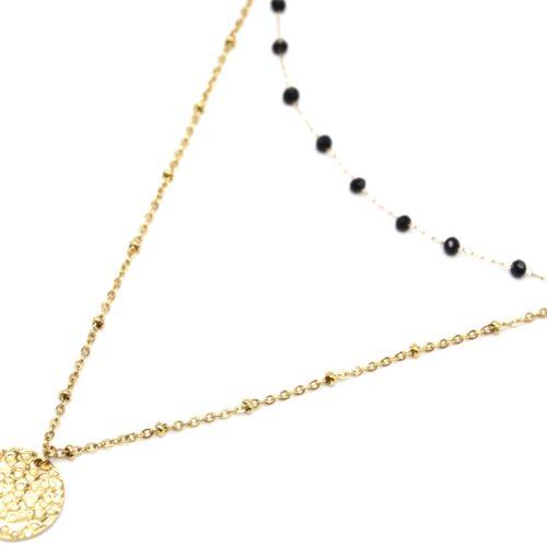 Collier-Double-Fine-Chaine-avec-Perles-Noires-et-Medaille-Martelee-Acier-Dore
