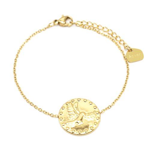Bracelet-Fine-Chaine-avec-Medaille-Martelee-Colombe-et-Points-Acier-Dore