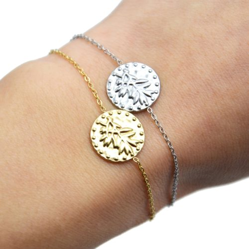Bracelet-Fine-Chaine-avec-Medaille-Martelee-Laurier-et-Points-Acier