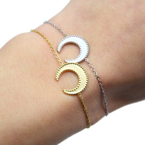 Bracelet-Fine-Chaine-avec-Corne-Lune-Contour-Points-Acier