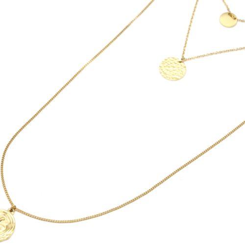 Collier-Triple-Fine-Chaine-avec-Medailles-Martelee-et-Fleur-de-Lys-Acier-Dore