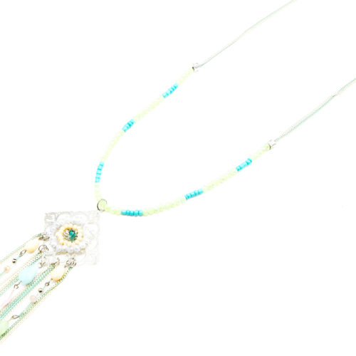 Sautoir-Collier-Pendentif-Losange-Cisele-avec-Perles-et-Chaines-Vertes