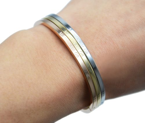 Bracelet-Jonc-Fin-Acier-avec-Message-Maman-en-Or