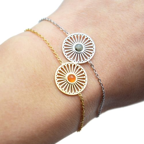 Bracelet-Fine-Chaine-avec-Charm-Fleur-Ajouree-Acier-et-Pierre