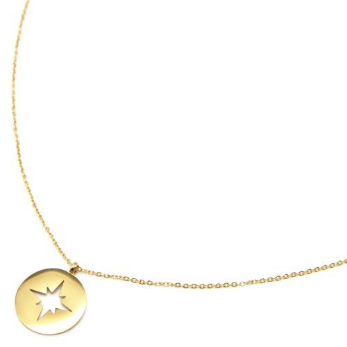 Sautoir-Collier-Fine-Chaine-avec-Medaille-Acier-Dore-Motif-Ajoure-Etoile-Polaire