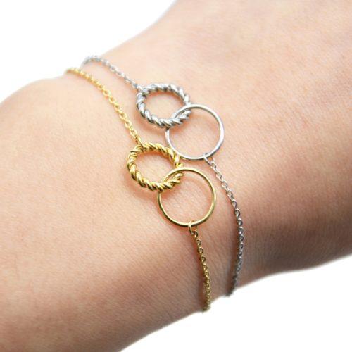 Bracelet-Fine-Chaine-avec-Charm-Cercles-Torsade-et-Contour-Acier