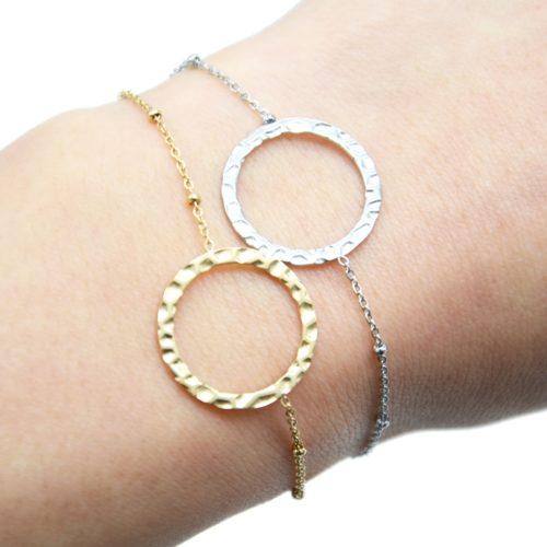 Bracelet-Chaine-Boules-avec-Charm-Cercle-Contour-Martele-Acier