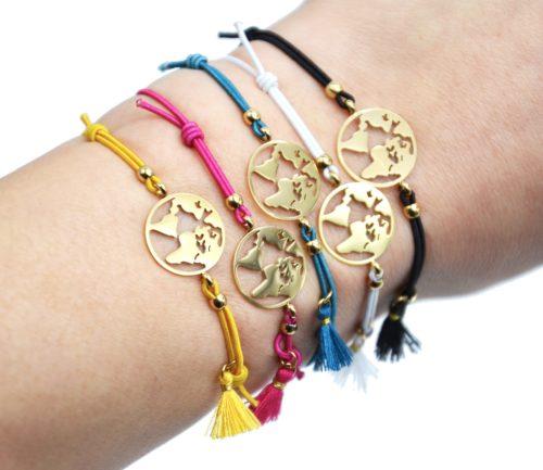 Bracelet-Elastique-avec-Charm-Globe-Acier-Dore-et-Pompon