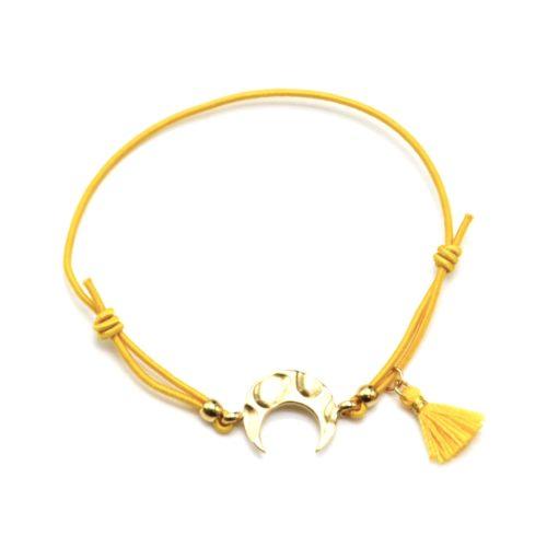 Bracelet-Elastique-Moutarde-Charm-Corne-Lune-Martelee-Acier-Dore-et-Pompon