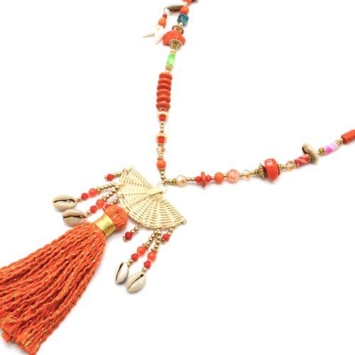 Sautoir-Collier-Perles-Bois-avec-Demi-Cercle-Osier-Cauris-et-Pompon-Orange