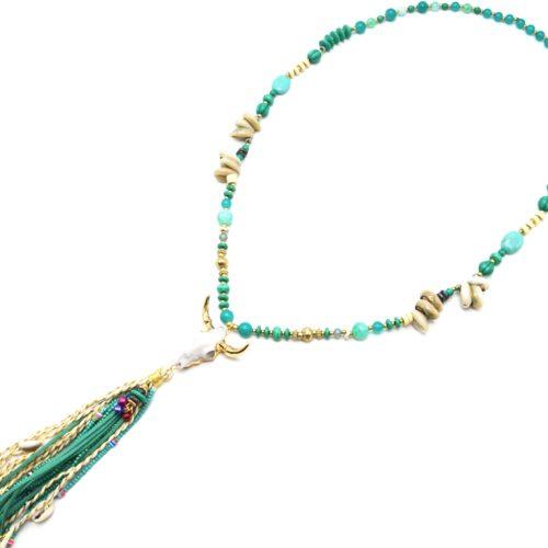 Sautoir-Collier-Perles-Verre-Pierres-Cauris-avec-Tete-Buffle-Resine-et-Pompon-Vert
