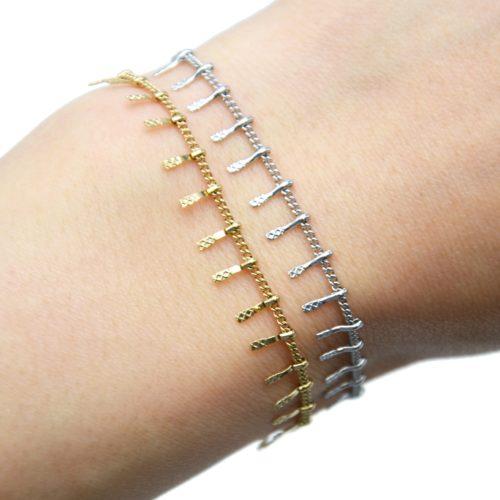 Bracelet-Chaine-avec-Multi-Pampilles-Relief-Carreaux-Acier