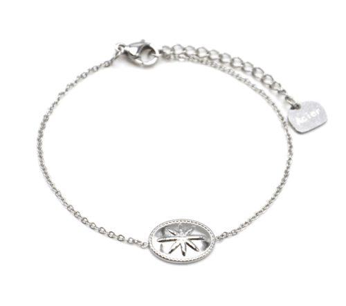 Bracelet-Fine-Chaine-avec-Ovale-Motif-Relief-Etoile-Polaire-Acier-Argente
