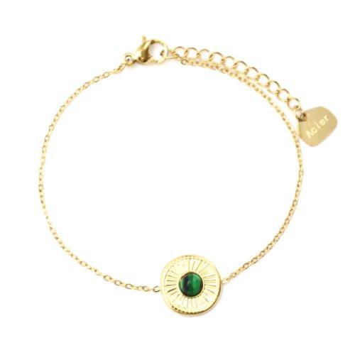 Bracelet-Fine-Chaine-avec-Cercle-Grave-Soleil-Acier-Dore-et-Pierre-Verte