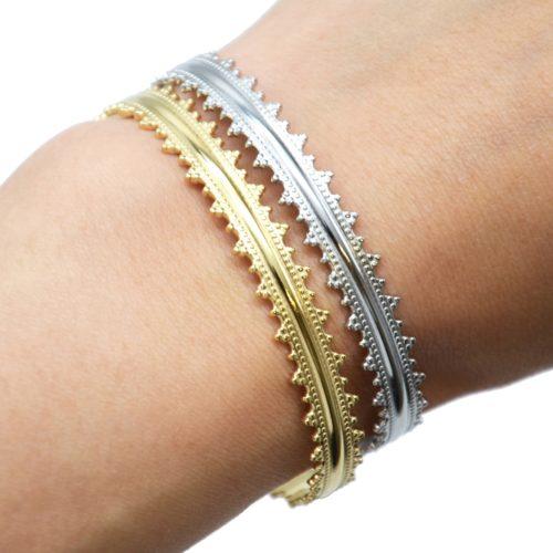 Bracelet-Jonc-Acier-avec-Contour-Pointes-et-Chainette-Fermoir