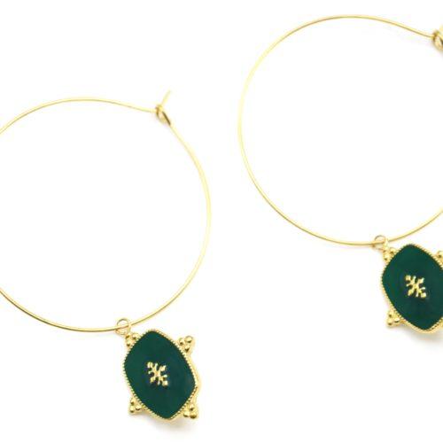 Boucles-dOreilles-Creoles-Acier-Dore-avec-Medaille-Email-Vert-Sapin-Motif-Baroque