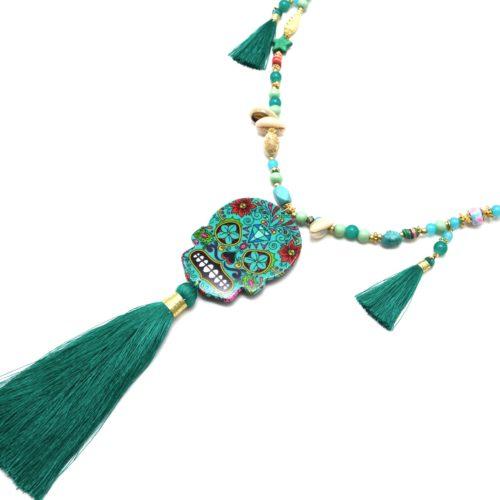 Sautoir-Collier-Perles-Bois-Charms-avec-Tete-de-Mort-Calavera-et-Pompons-Vert