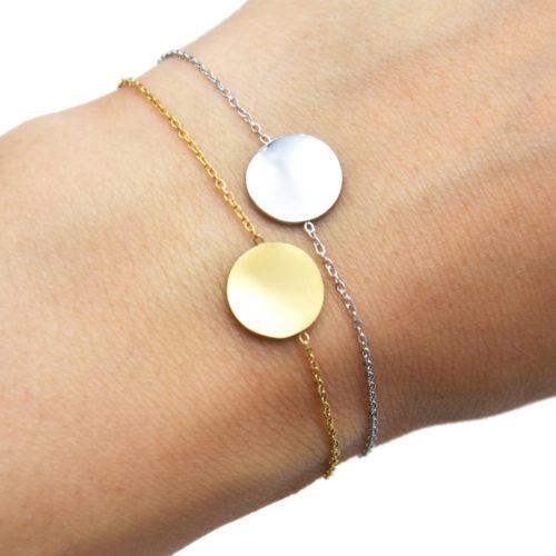 Bracelet-Fine-Chaine-avec-Medaille-Martelee-Acier