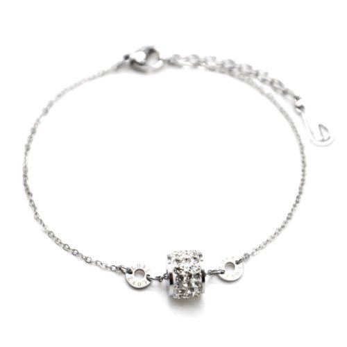 Bracelet-Fine-Chaine-Acier-Argente-avec-Charms-Anneau-Strass-et-Cercles-Love