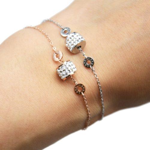 Bracelet-Fine-Chaine-Acier-avec-Charms-Anneau-Strass-et-Cercles-Love