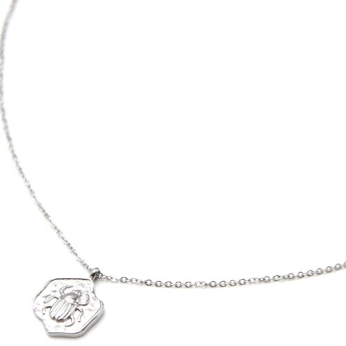 Collier-Fine-Chaine-Pendentif-Medaille-Motif-Scarabee-Acier-Argente