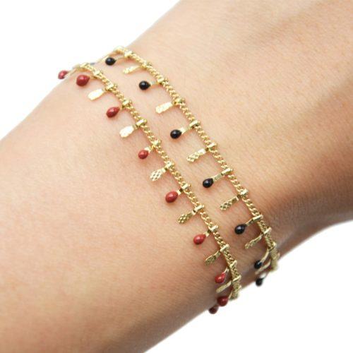 Bracelet-avec-Pampilles-Relief-Carreaux-Acier-Dore-et-Perles-Email