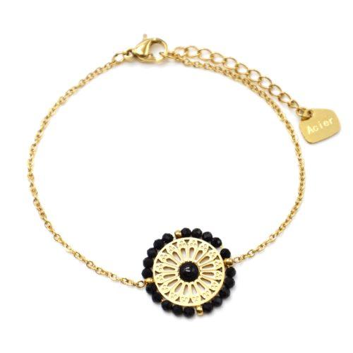 Bracelet-avec-Fleur-Ajouree-Acier-Dore-Pierre-et-Contour-Perles-Noires