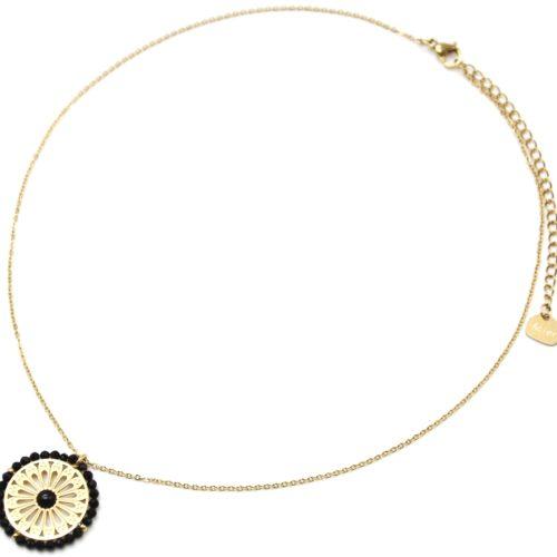 Collier-Pendentif-Fleur-Ajouree-Acier-Dore-Pierre-et-Contour-Perles-Noires