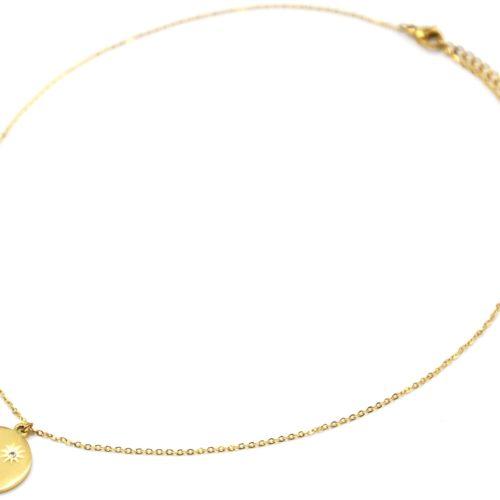Collier-Pendentif-Medaille-Acier-Dore-avec-Soleil-Grave-et-Strass