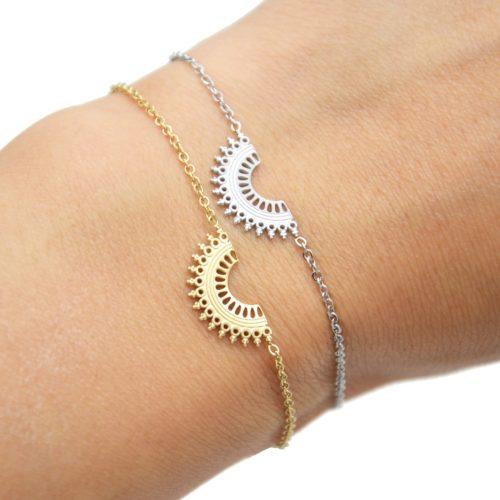 Bracelet-Fine-Chaine-avec-Demi-Cercle-Motif-Ajoure-Acier