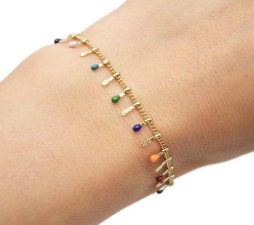Bracelet-avec-Pampilles-Relief-Carreaux-Acier-Dore-et-Perles-Email-Multicolore