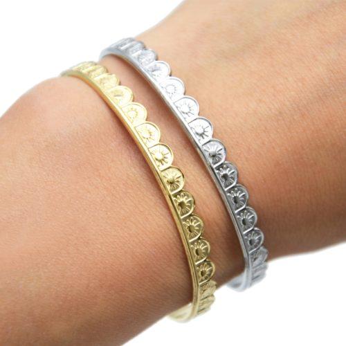 Bracelet-Jonc-Ondule-Ouvert-avec-Motif-Soleil-Acier