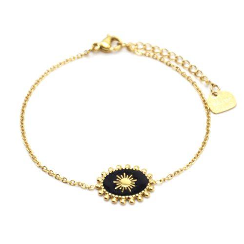Bracelet-avec-Ovale-Email-Noir-Motif-Soleil-et-Contour-Billes-Acier-Dore