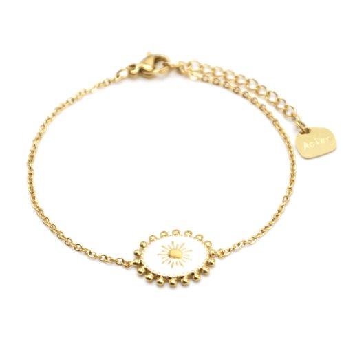 Bracelet-avec-Ovale-Email-Blanc-Motif-Soleil-et-Contour-Billes-Acier-Dore