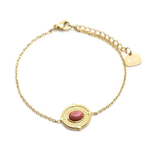 Bracelet-avec-Medaille-Ovale-Relief-Points-Acier-Dore-et-Pierre-Rose