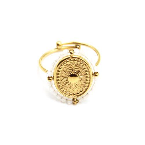 Bague-avec-Medaille-Ovale-Soleil-Acier-Dore-et-Contour-Perles-Blanches