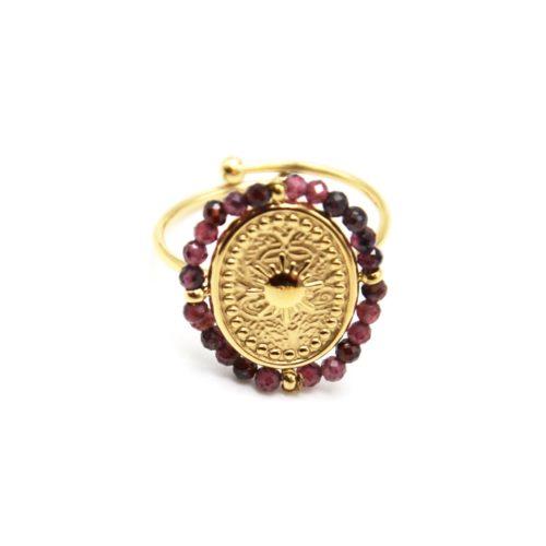 Bague-avec-Medaille-Ovale-Soleil-Acier-Dore-et-Contour-Perles-Violettes
