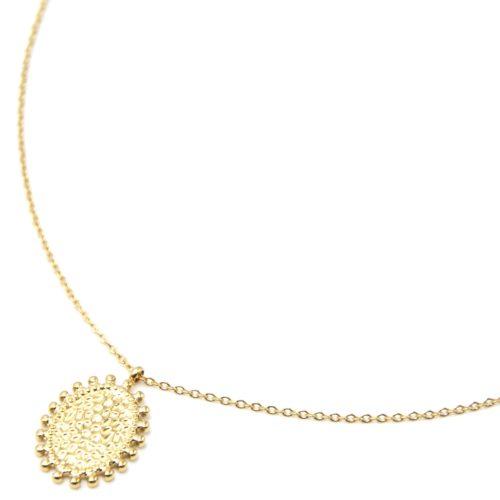 Collier-Pendentif-Medaille-Martelee-Ovale-Contour-Billes-Acier-Dore