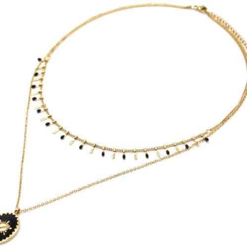 Collier-Double-Chaine-Pampilles-Carreaux-Acier-Dore-et-Ovale-Email-Noir-Motif-Soleil