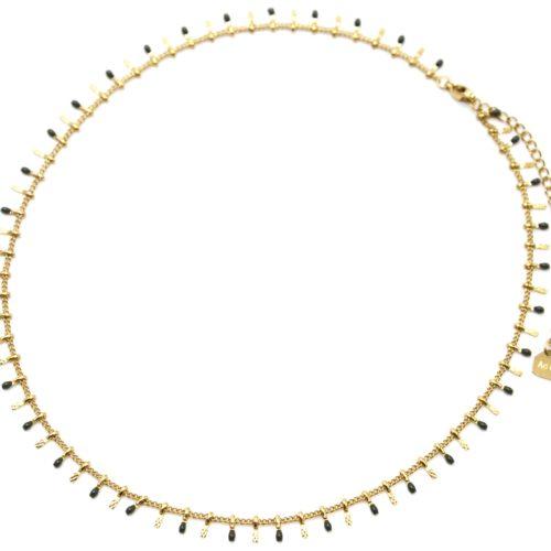 Collier-Ras-du-Cou-avec-Pampilles-Relief-Carreaux-Acier-Dore-et-Perles-Email-Kaki