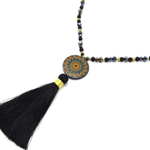 Sautoir-Collier-Perles-Resine-et-Brillantes-avec-Cercle-Motif-Rosace-et-Pompon-Noir