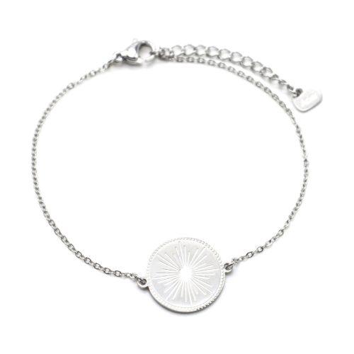 Bracelet-avec-Medaille-Gravee-Motif-Soleil-Acier-Argente