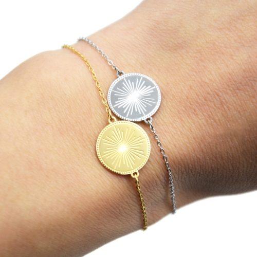 Bracelet-avec-Medaille-Gravee-Motif-Soleil-Acier